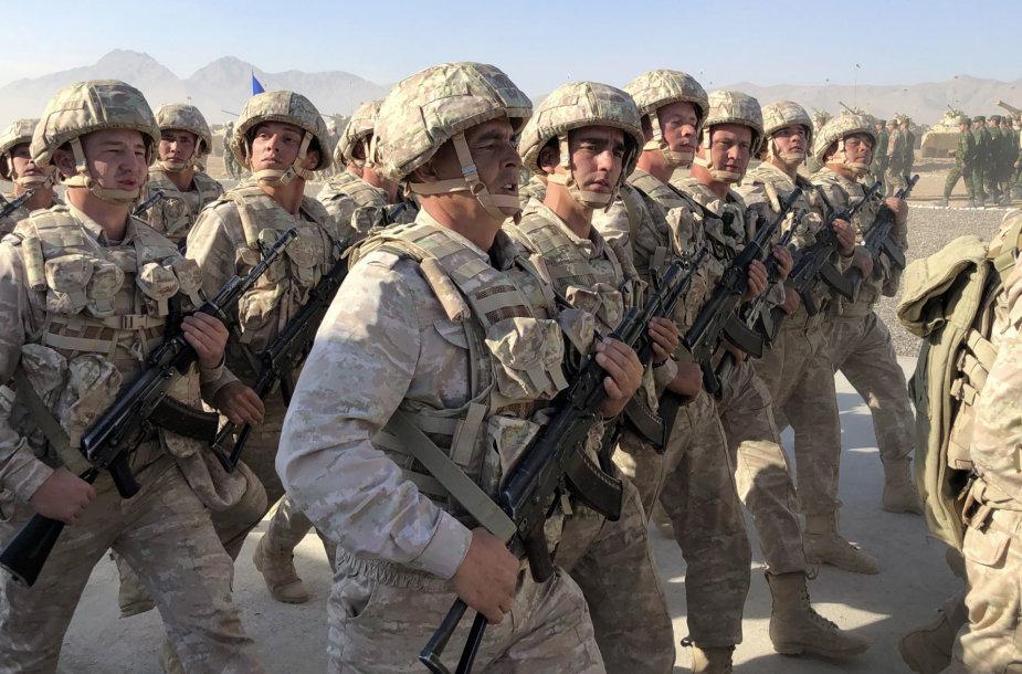 Tadžikistano kariai