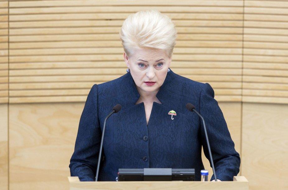 Prezidentė Dalia Grybauskaitė skaito metinį pranešimą
