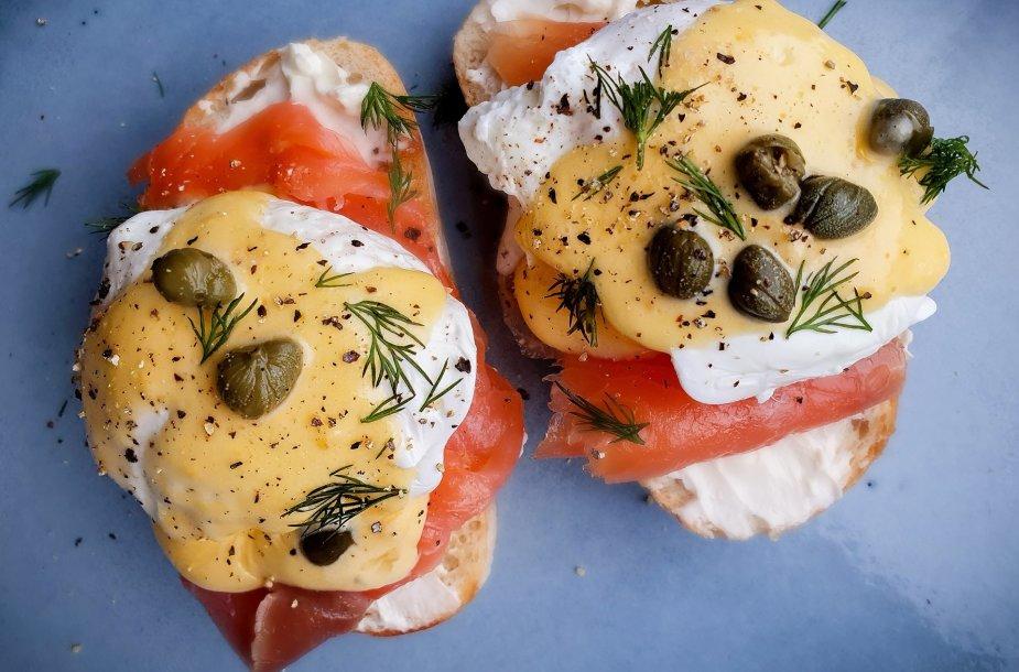"""Benedikto kiaušiniai su """"hollandaise"""" padažu"""
