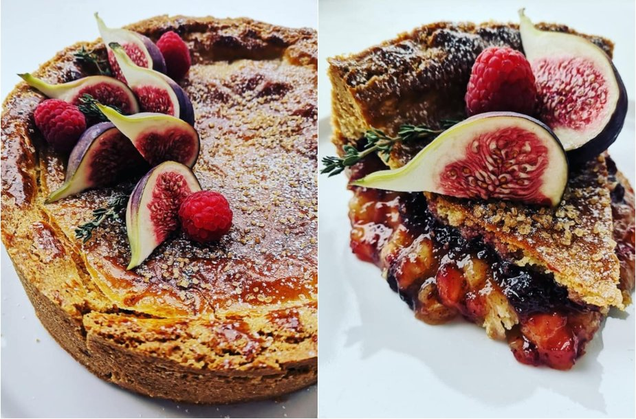 Pyragas su karamelizuotais obuoliais ir spanguolėmis