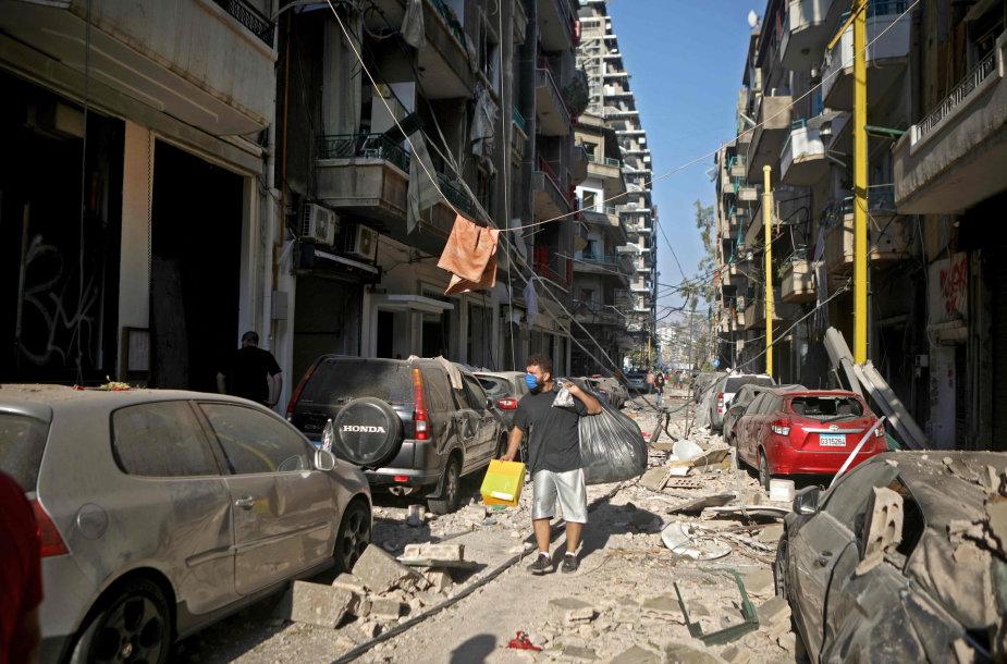 Libano sostinė Beirutas kitą rytą po galingo sprogimo