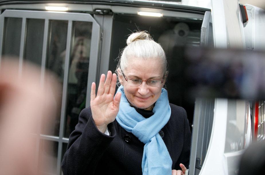 Neringa Venckienė atvesdinta į teismą