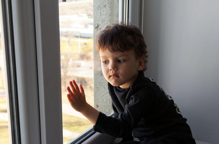 Vaikas izoliacijoje