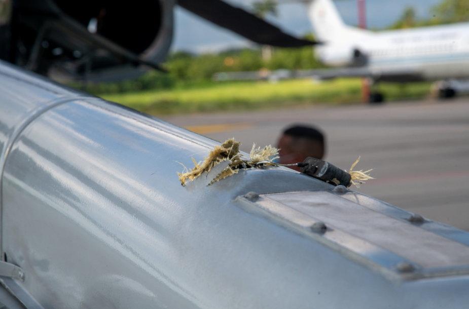 Per išpuolį apgadintas Kolumbijos prezidento sraigtasparnis