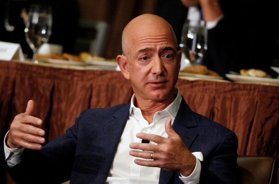 "14. Jeffas Bezosas – ""Amazon"" vadovas"