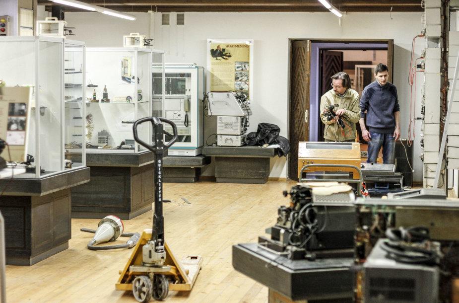 Ryšių istorijos muziejaus eksponatų perkraustymas