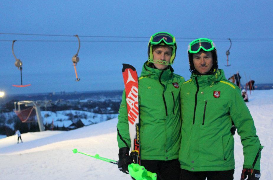Olimpietis Rokas Zaveckas kartu su tėvu Giedriumi Zavecku treniruojasi ant Liepkalnio