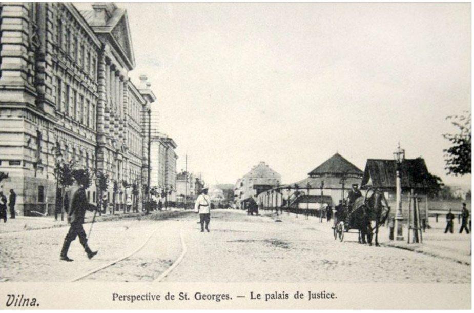 Gedimino (Georgijaus) prospektas: dešinėje – Lukiškių aikštėje esantis cirkas