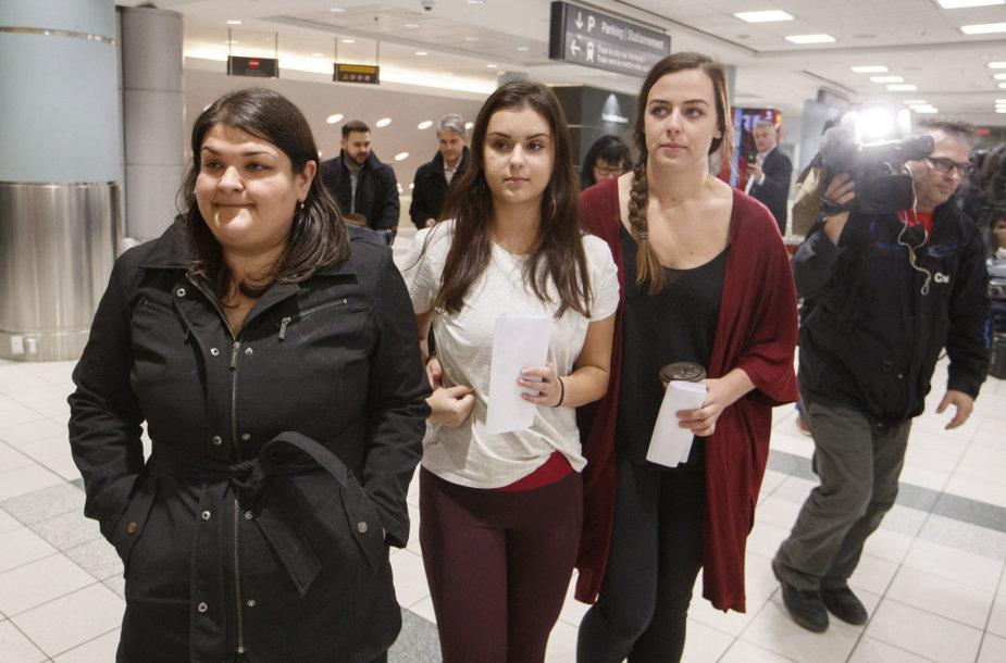 Dvi kanadietės grįžo iš Kambodžos į Kanadą