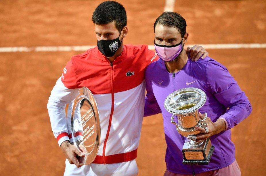 Novakas Džokovičius ir Rafaelis Nadalis (dešinėje) po finalo Romoje.