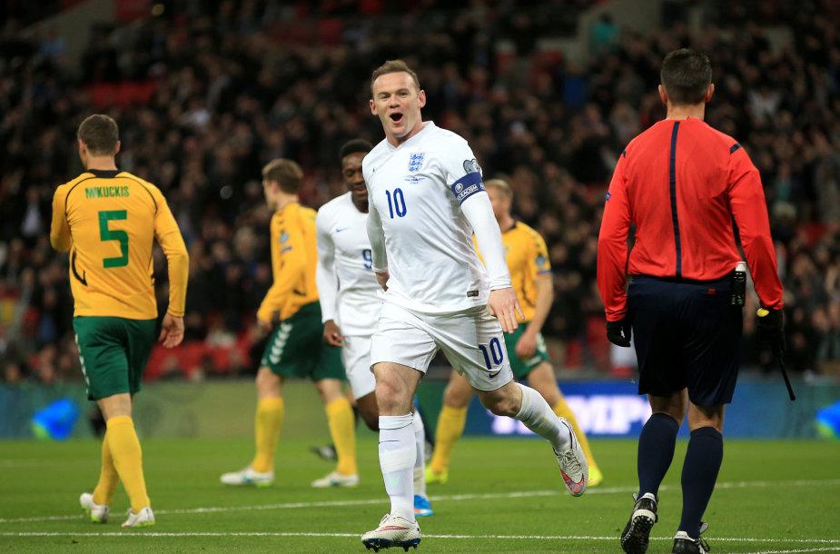 Wayne'as Rooney įmušė įvartį 7 min.