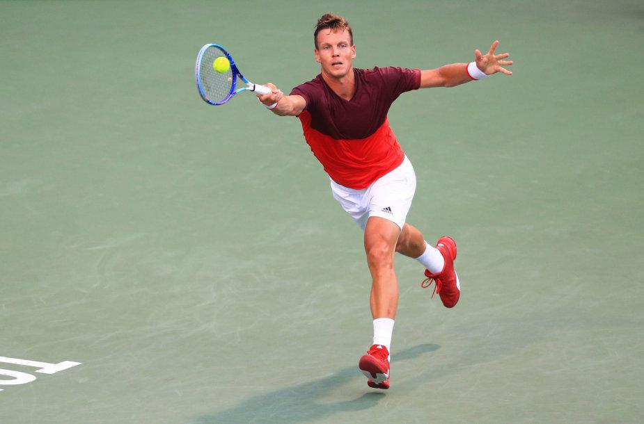 """Tomašą Berdychą įveikęs Novakas Džokovičius – """"Rogers Cup"""" pusfinalyje"""