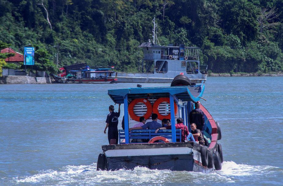Laivas Indonezijoje. Asociatyvi nuotr.