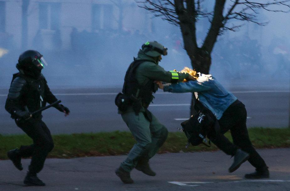 Areštai Minske