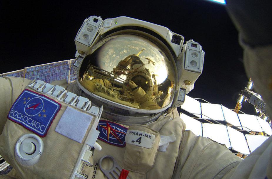 """""""Roskosmos"""" kosmonautai"""