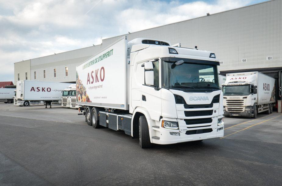 """""""Scania"""" elektriniai sunkvežimiai skinasi kelią rinkoje"""
