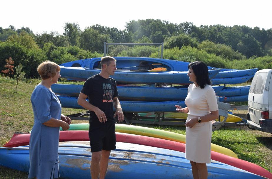 Pusšimtis Klaipėdos rajono vaikų turėjo progą šią vasarą įsidarbinti.