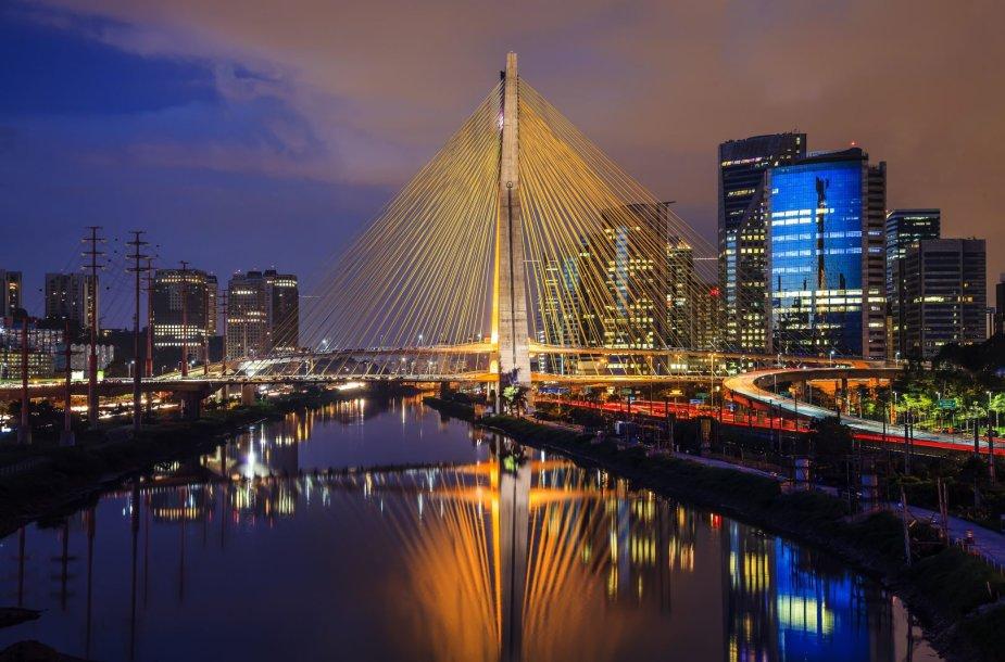 San Paulo vizitine kortele tapęs tiltas Ponte Estaiada