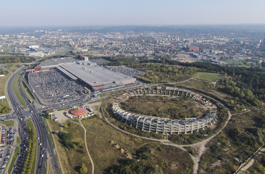 Stadionas ant Šeškinės kalno iš paukščio skrydžio