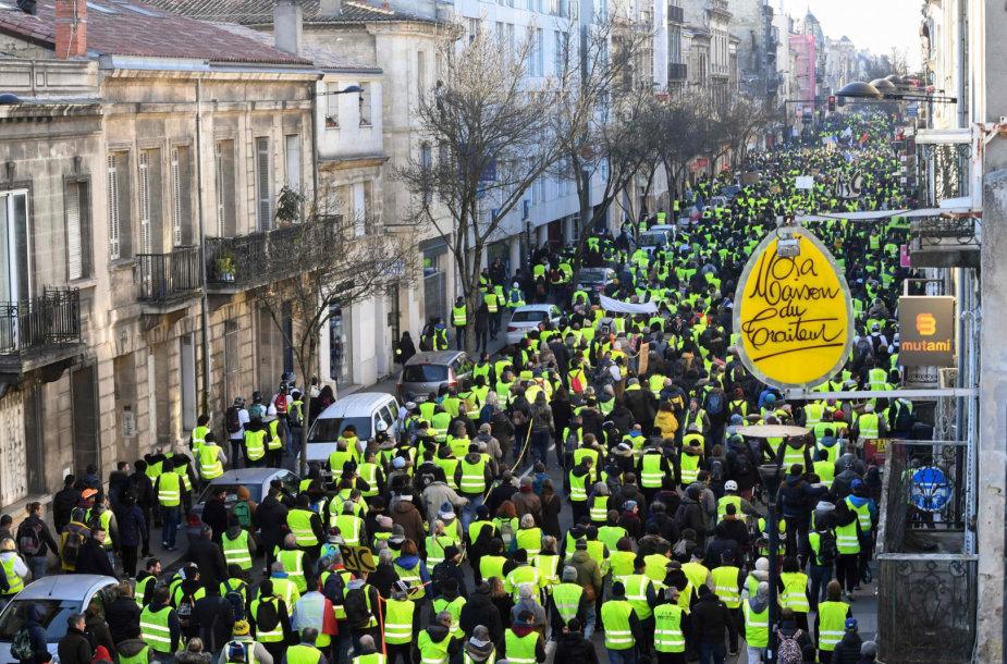 """""""Geltonųjų liemenių"""" protestas Prancūzijoje"""