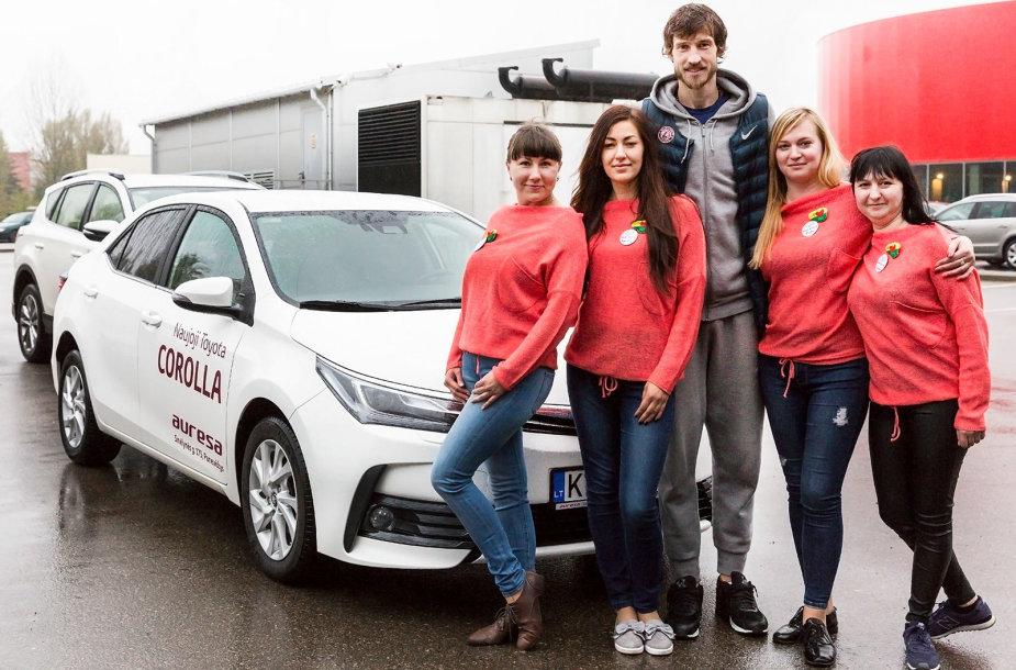 """""""Auresos"""" komanda moterų ralyje"""