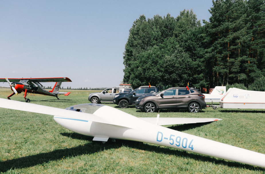"""Nissan"" lydės sklandytuvais iki Odesos"