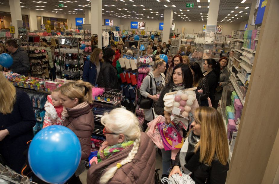 """Prekybos centre """"SAVAS"""" atidaryta pirmoji """"Pepco"""" parduotuvė"""