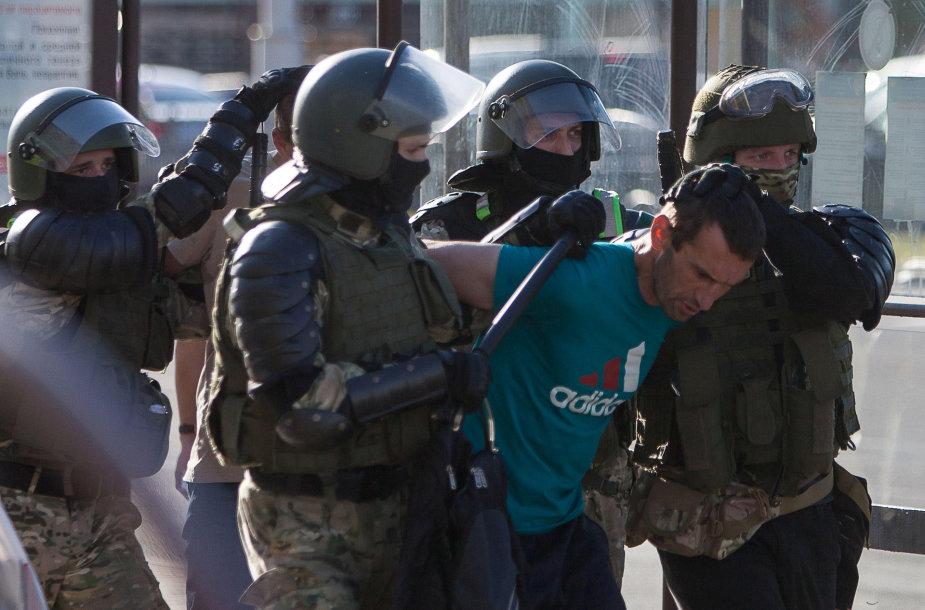 Trečią dieną vykstantys protestai Baltarusijoje