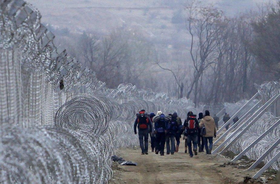 Migrantai prie tvoros Makedonijoje