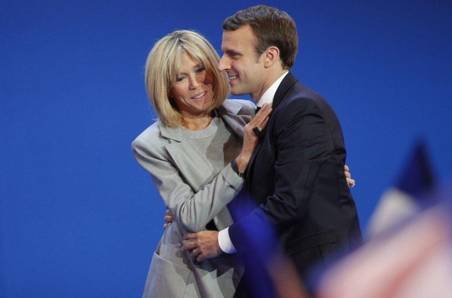Emmanuelis Macron su žmona Brigitte Trogneux