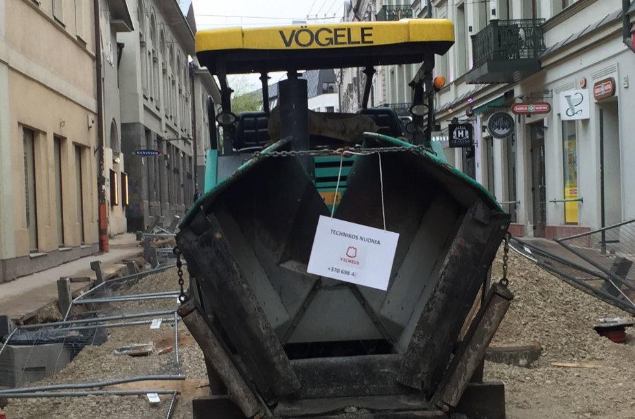 Vilniaus gatvėje kažkas iškabino skelbimus su mero Remigijaus Šimašiaus telefono numeriu