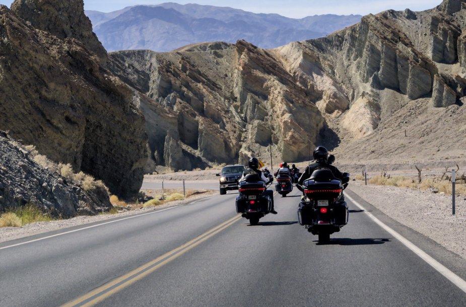 """Lietuvių kelionė """"Harley-Davidson"""" motociklais JAV"""
