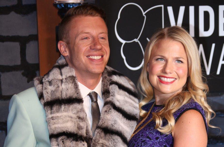 Macklemore su žmona Tricia Davis