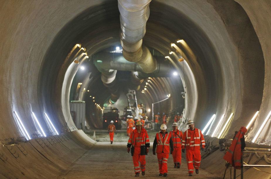 Darbininkai Londono tuneliuose