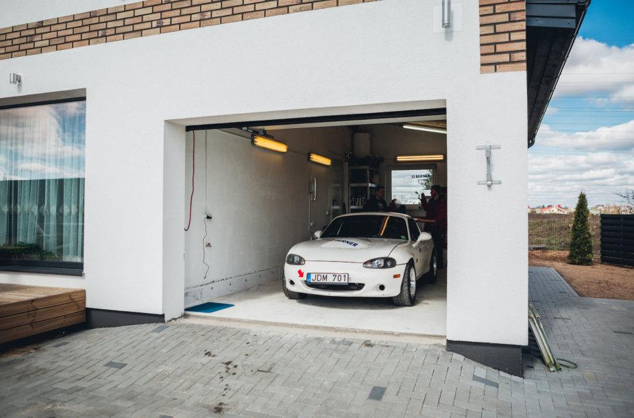 """""""Autoplius.lt Fast Lap"""" Justo Gudavičiaus garaže"""