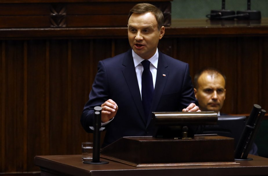 Andrzejus Duda prisaikdintas naujuoju Lenkijos prezidentu