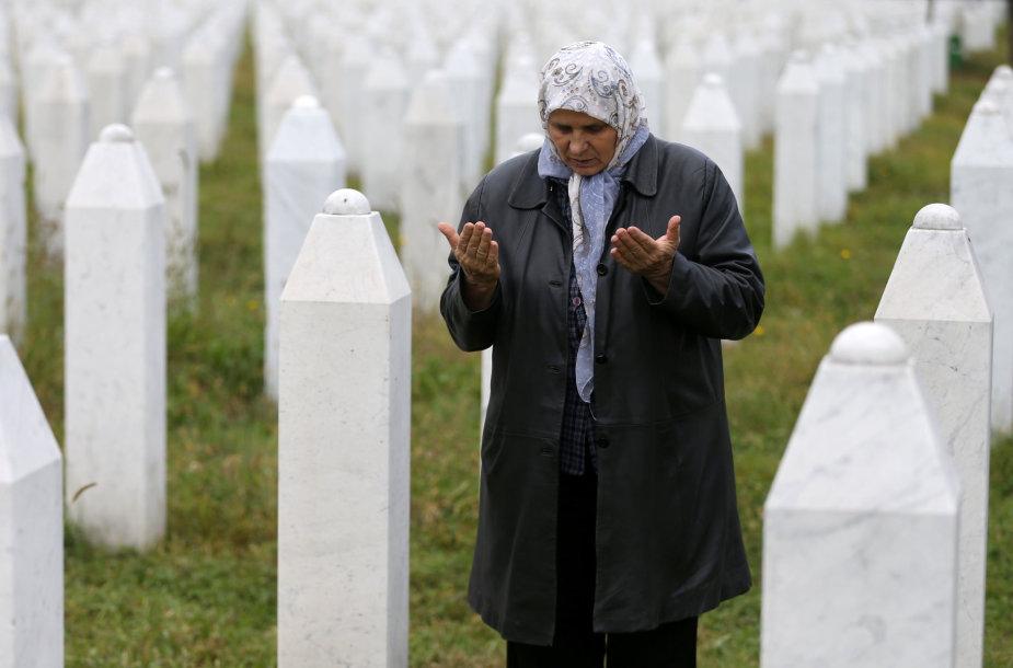 Memorialinis laukas prie Srebrenicos.