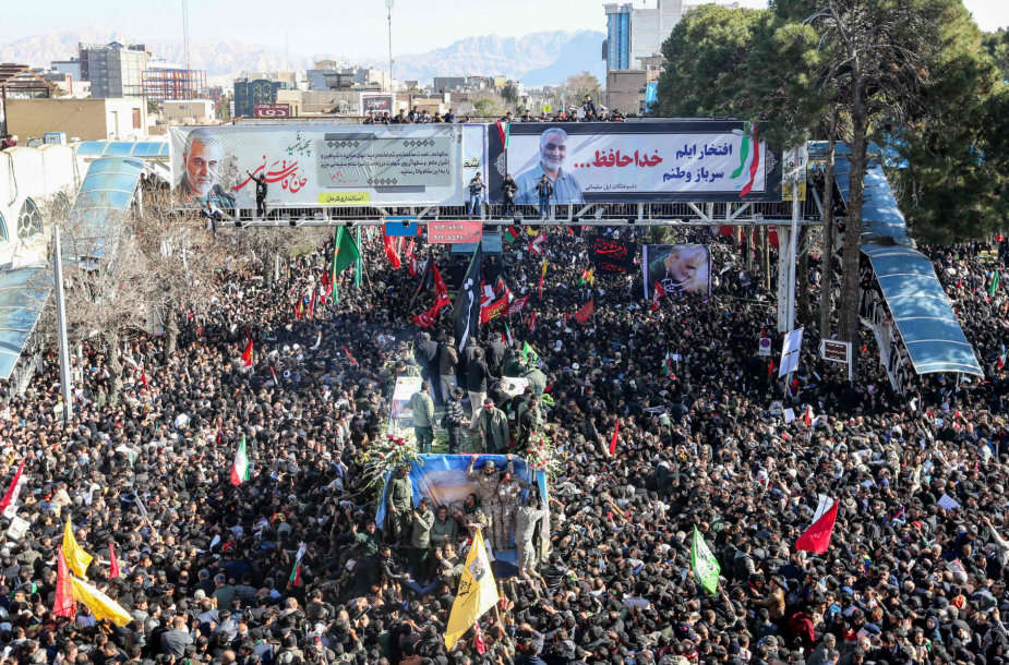 Irane per Q.Soleimani laidotuvių procesiją susidarius spūsčiai žuvo 35 žmonės