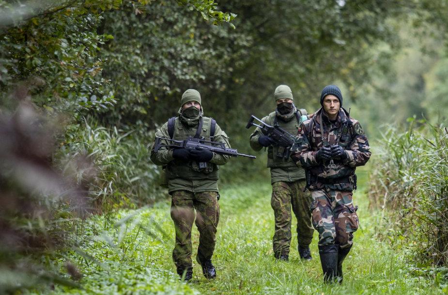 Sieną su Baltarusija Ignalinos rajone saugantys pareigūnai