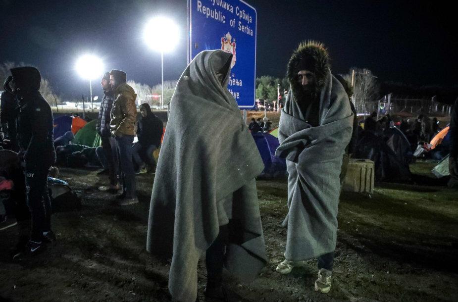 Migrantai Serbijoje prie Vengrijos sienos
