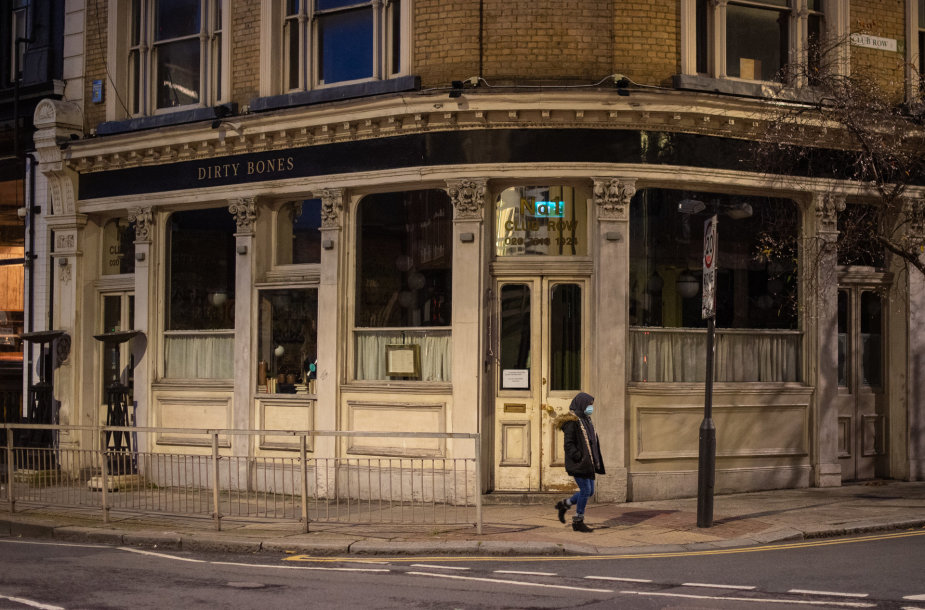 Uždaryta aludė Rytų Londone