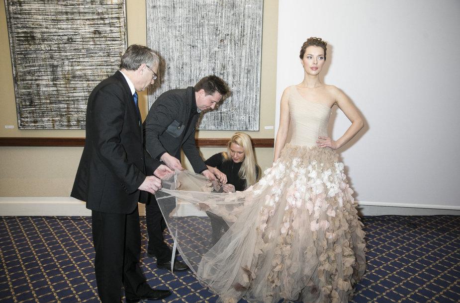 """""""Inži"""" rekordinė suknelė"""