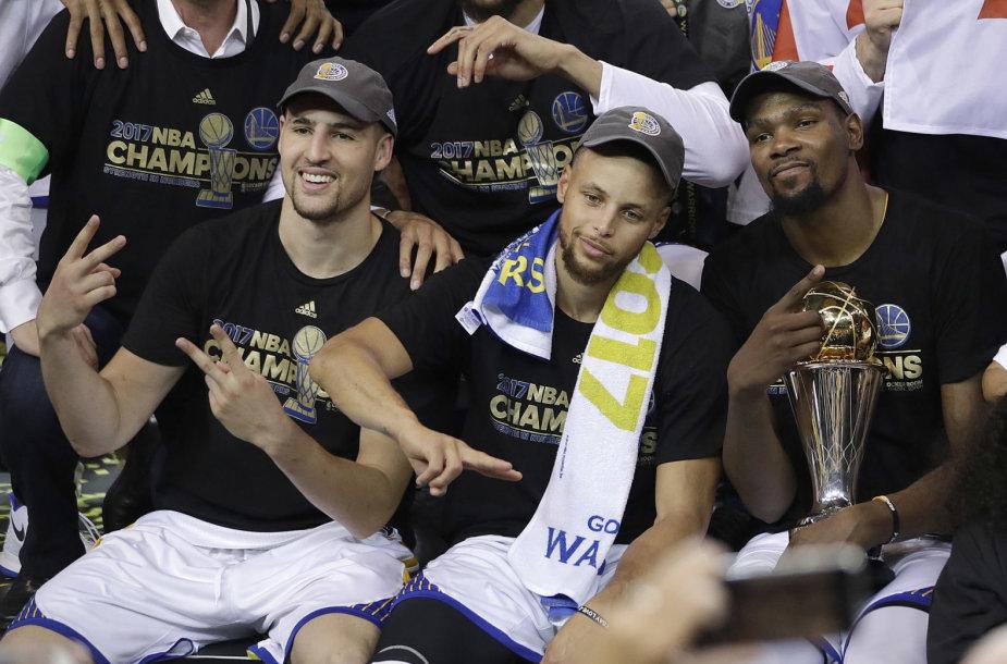 Kevinas Durantas su MVP prizu