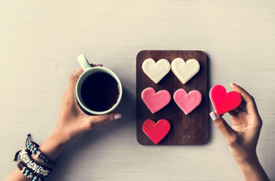 Sausainiai ir kava