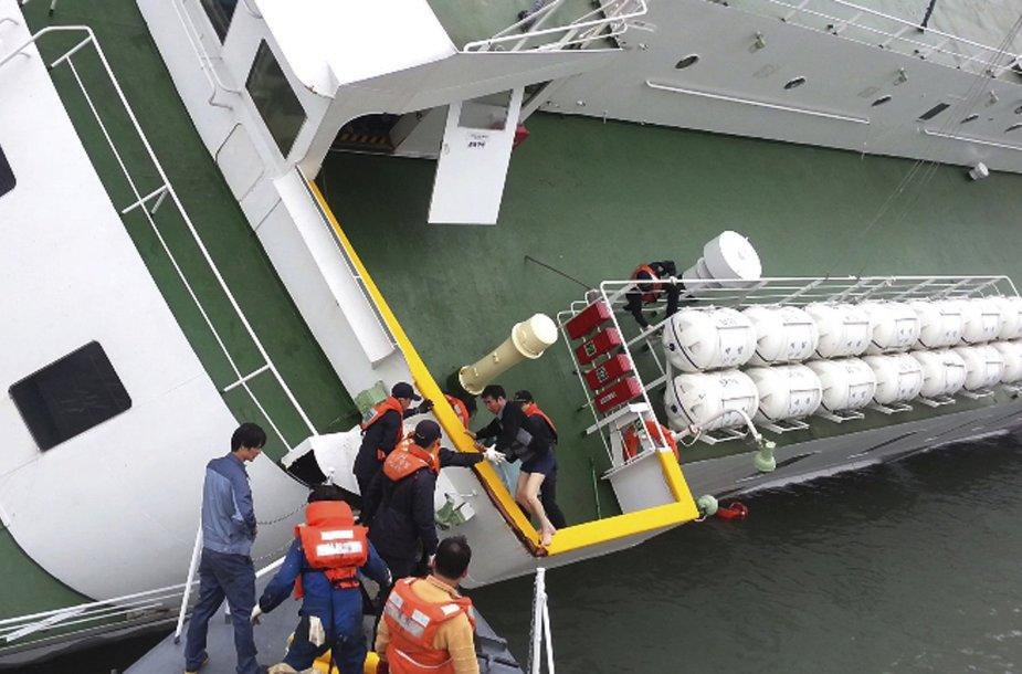 """""""Sewol"""" laivo kapitonas Lee Jun-seokas lipa iš skęstančio laivo"""