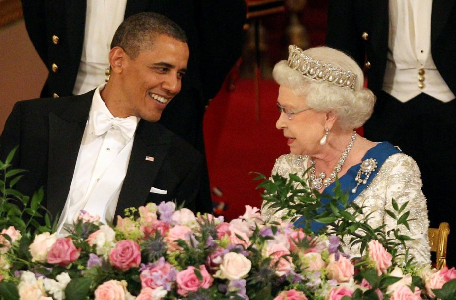 Barackas Obama su karaliene Elizabeth II