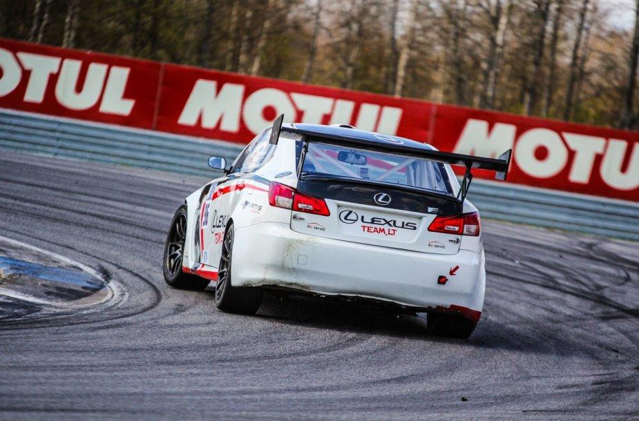 """""""Lexus Team LT"""" komanda žiedinėse lenktynėse"""