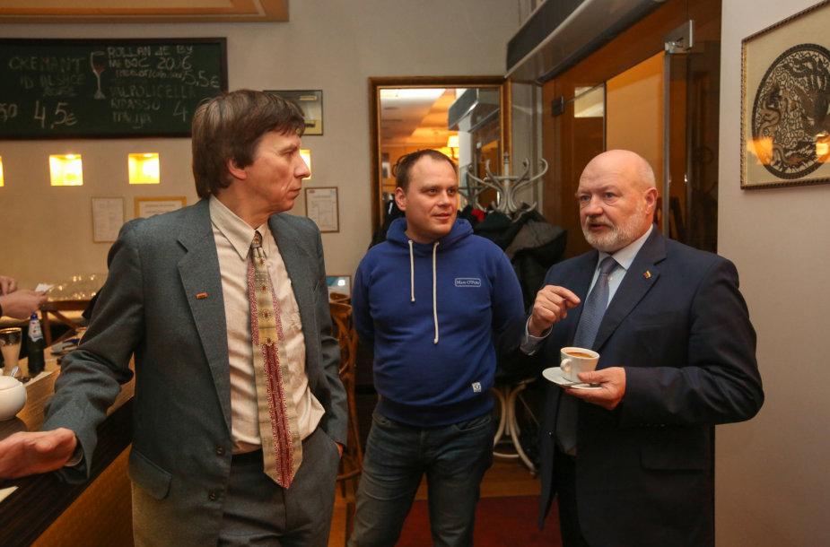Eugenijus Gentvilas su Liberalų sąjūdžio nariais laukia rinkimų rezultatų