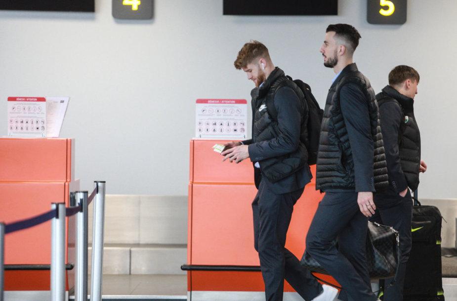 Krepšininkai oro uoste