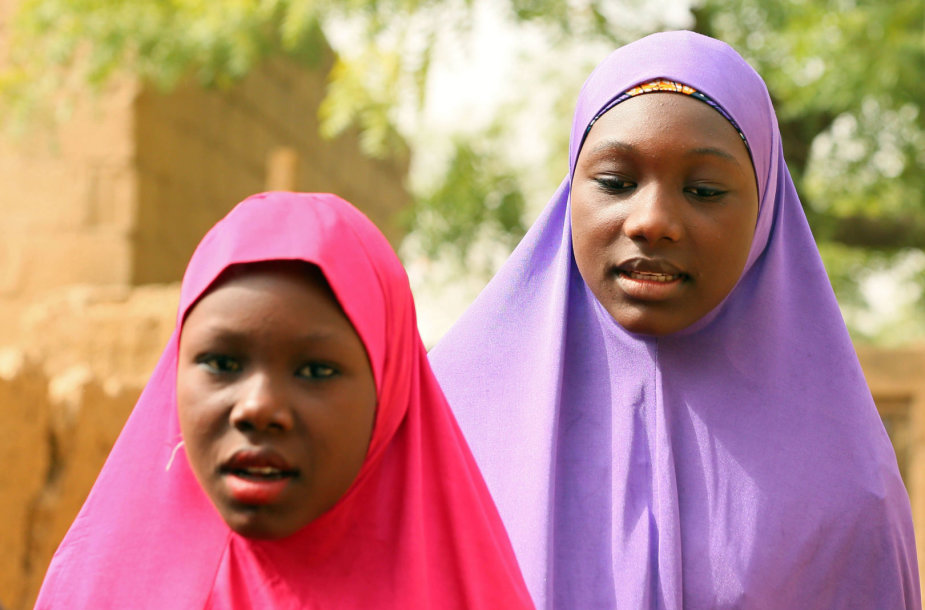 """Per """"Boko Haram"""" užpuolimą pabėgusios mergaitės"""